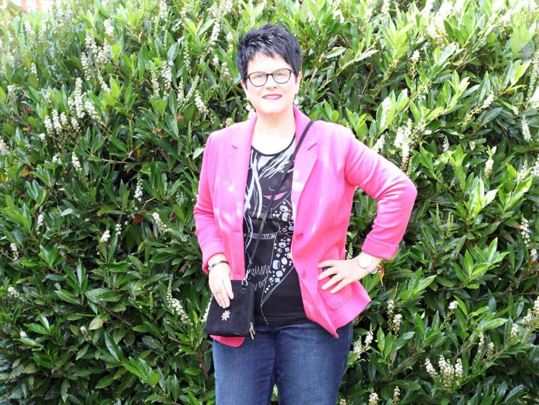 Das magische Mode-Dreieck: Jeans, T-Shirt und Blazer – Casual