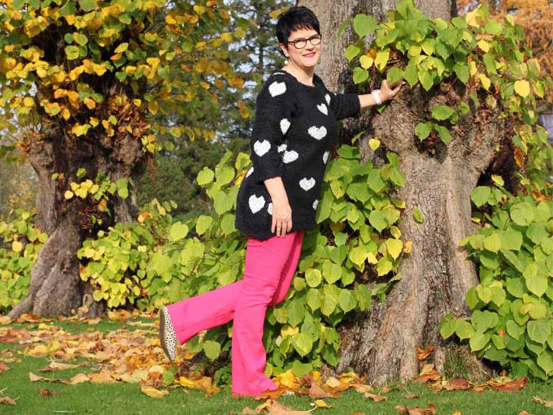 Vokuhila Long-Pullover mit Herzen