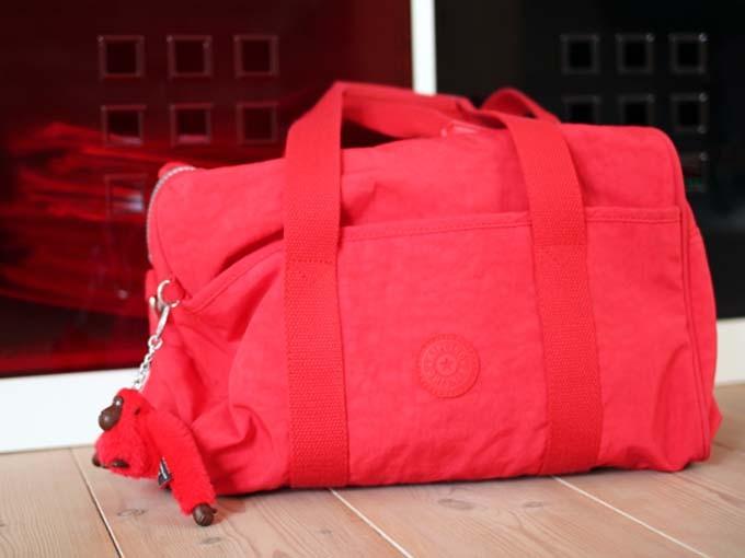 Sabine-Gimm-rote-Tasche-1