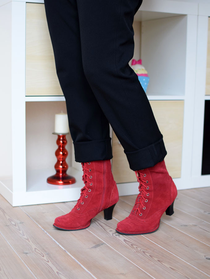 sabine-gimm-rote-stiefel-01