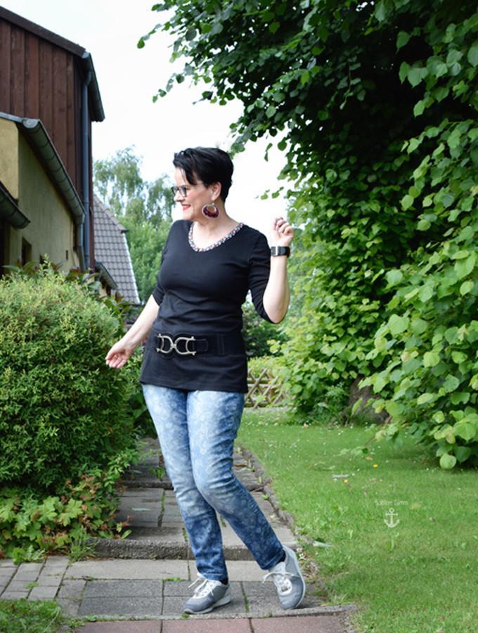 schlichtes shirt mit romantischer jeans und der spie rutenlauf des bloggers sabine gimm. Black Bedroom Furniture Sets. Home Design Ideas