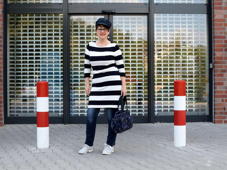 Maritim ⚓ Streifenkleid mit Jeans
