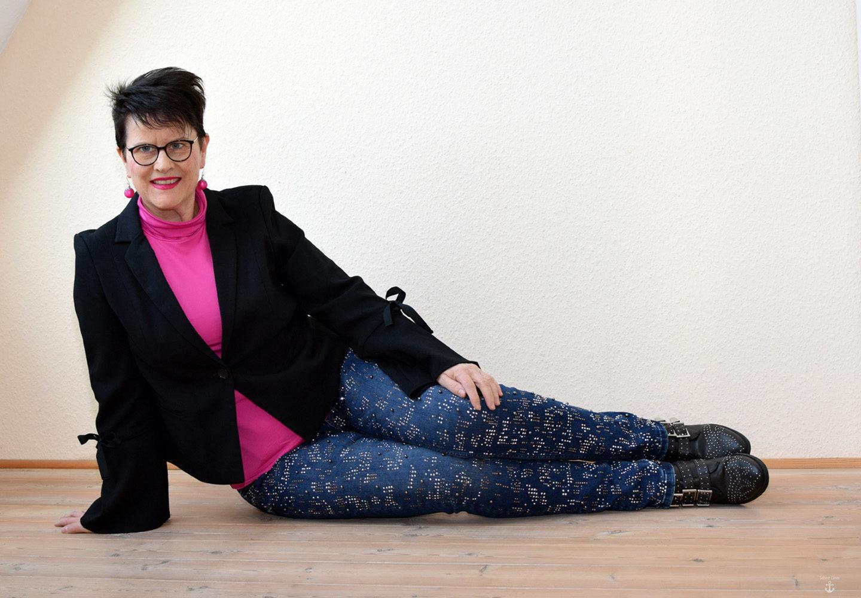 Designer Jeans mit Nieten und Strass