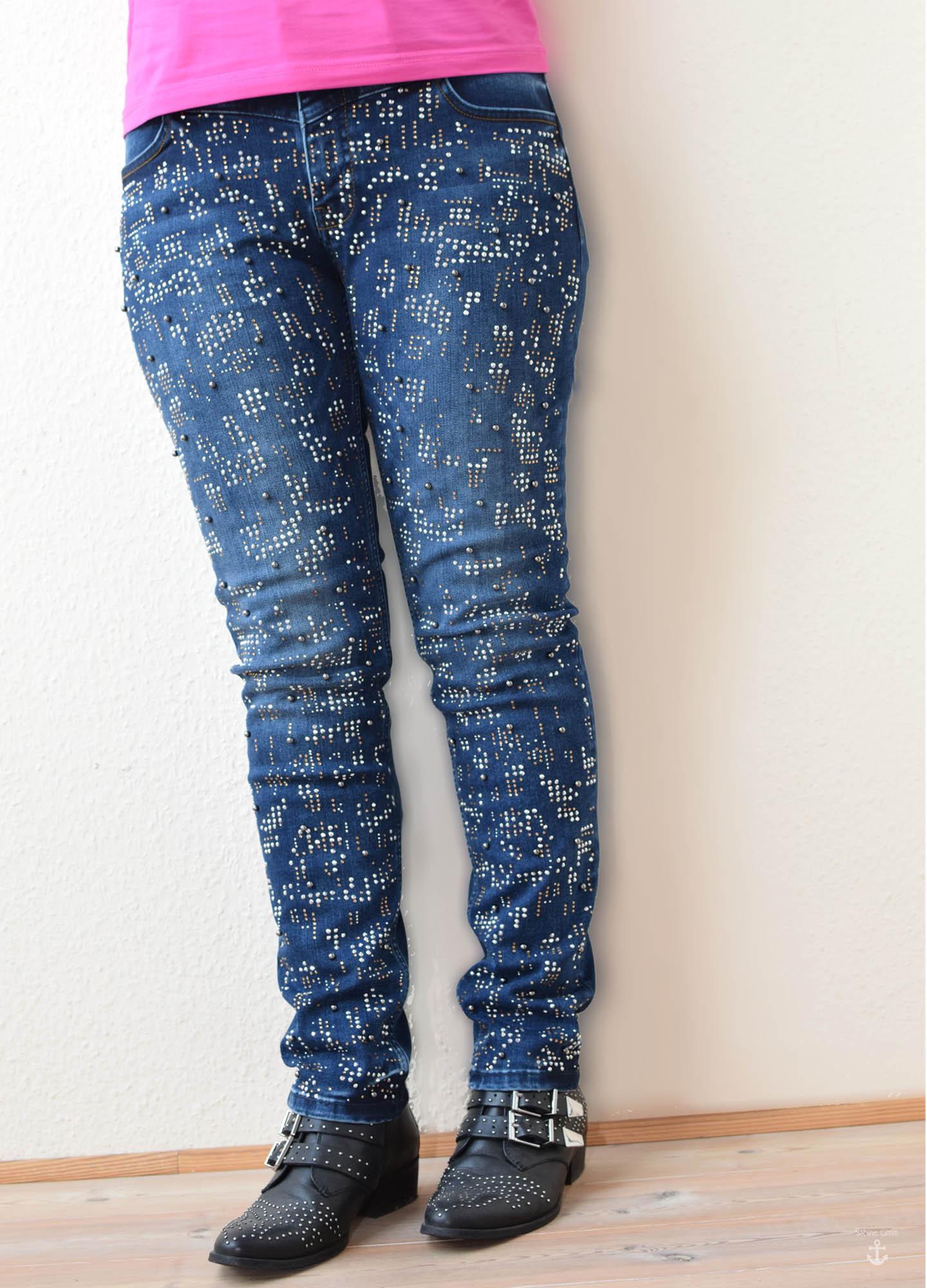 designer jeans mit nieten und strass sabine gimm. Black Bedroom Furniture Sets. Home Design Ideas