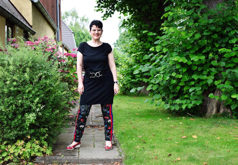 Kleid über Hose – mehr als ein Trend