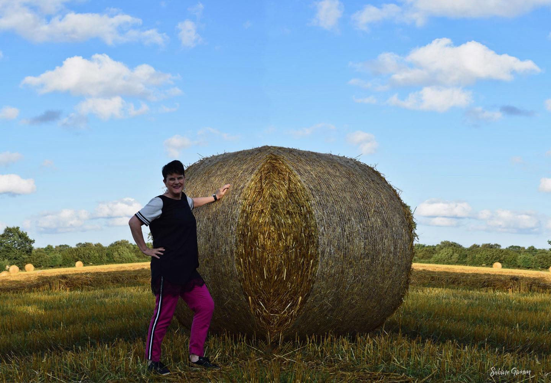 Spitzenkleid über Stoffhose – oder: Wie ich mich vom Acker machte
